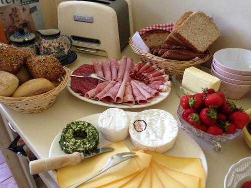 Frühstücksbuffet ... äußern Sie gerne Ihre Wünsche!